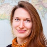 Dr. Eva Hauthal